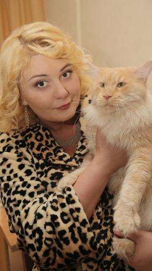 Александра СКАЧКОВА (Элла) и кот Миша
